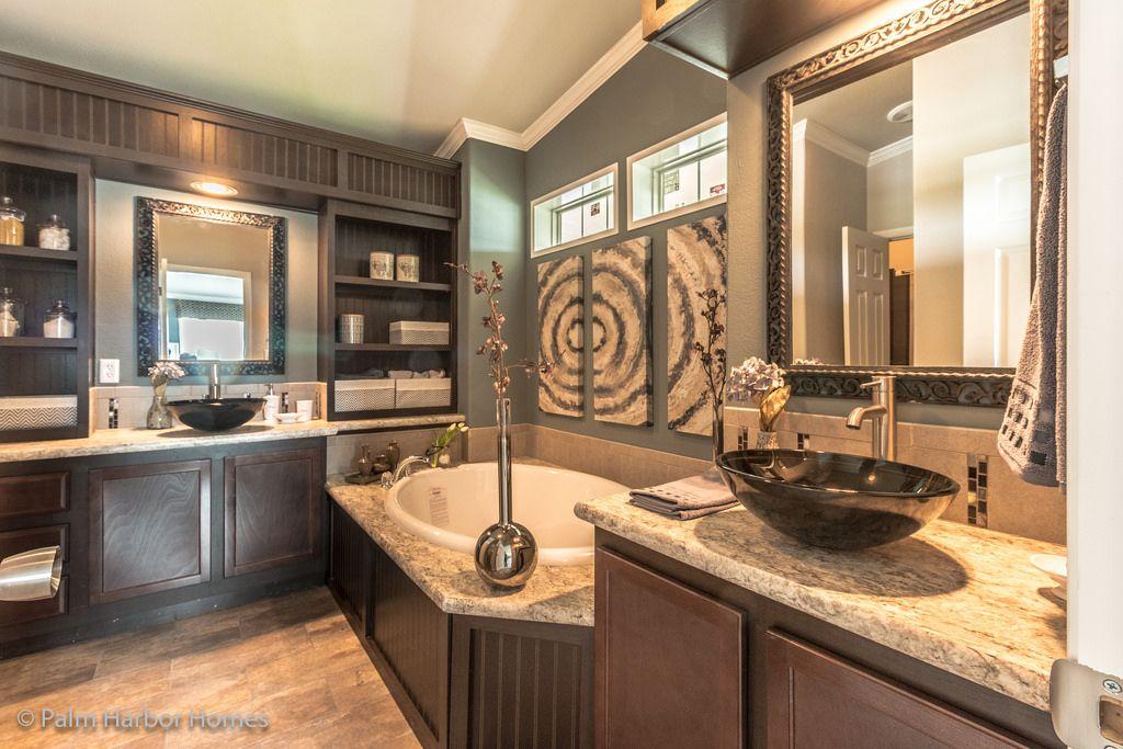The Spa Bath in Palm Harbor\'s La Sierra model home - 3 Bedrooms, 2 ...
