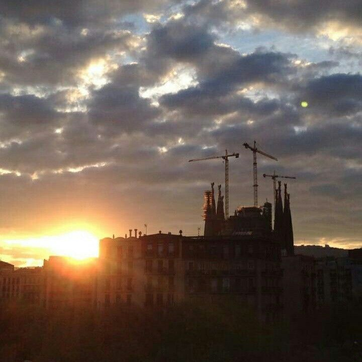 Sagrada familia Love Barcelona