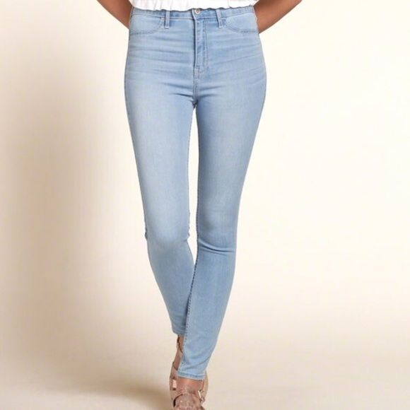 hollister high waist jeggings High rise jeggings in a light wash. Very  comfy and in - Hollister High Waist Jeggings High Rise Jeggings In A Light Wash