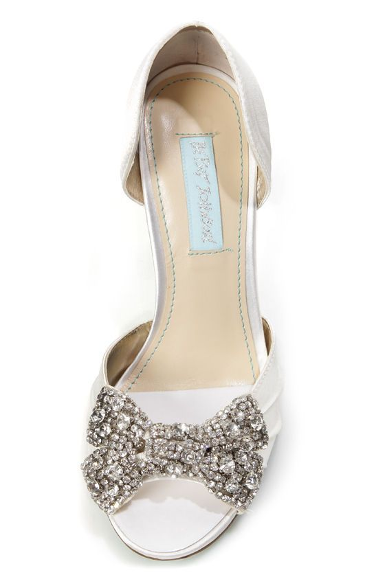 e09393e07513ab Betsey Johnson SB-Gown Ivory Satin Rhinestone Bow Peep Toe Heels at  Lulus.com!