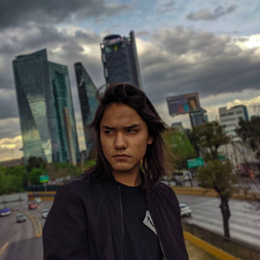 C L O U D Y • • • Modelo: @blkdvz • •#sky #clouds #cloudyday #cloudy #portrait_vision #portrait_planet #portraitinspiration #photooftheday #photograph #cdmx #condesa #city #cityphotography