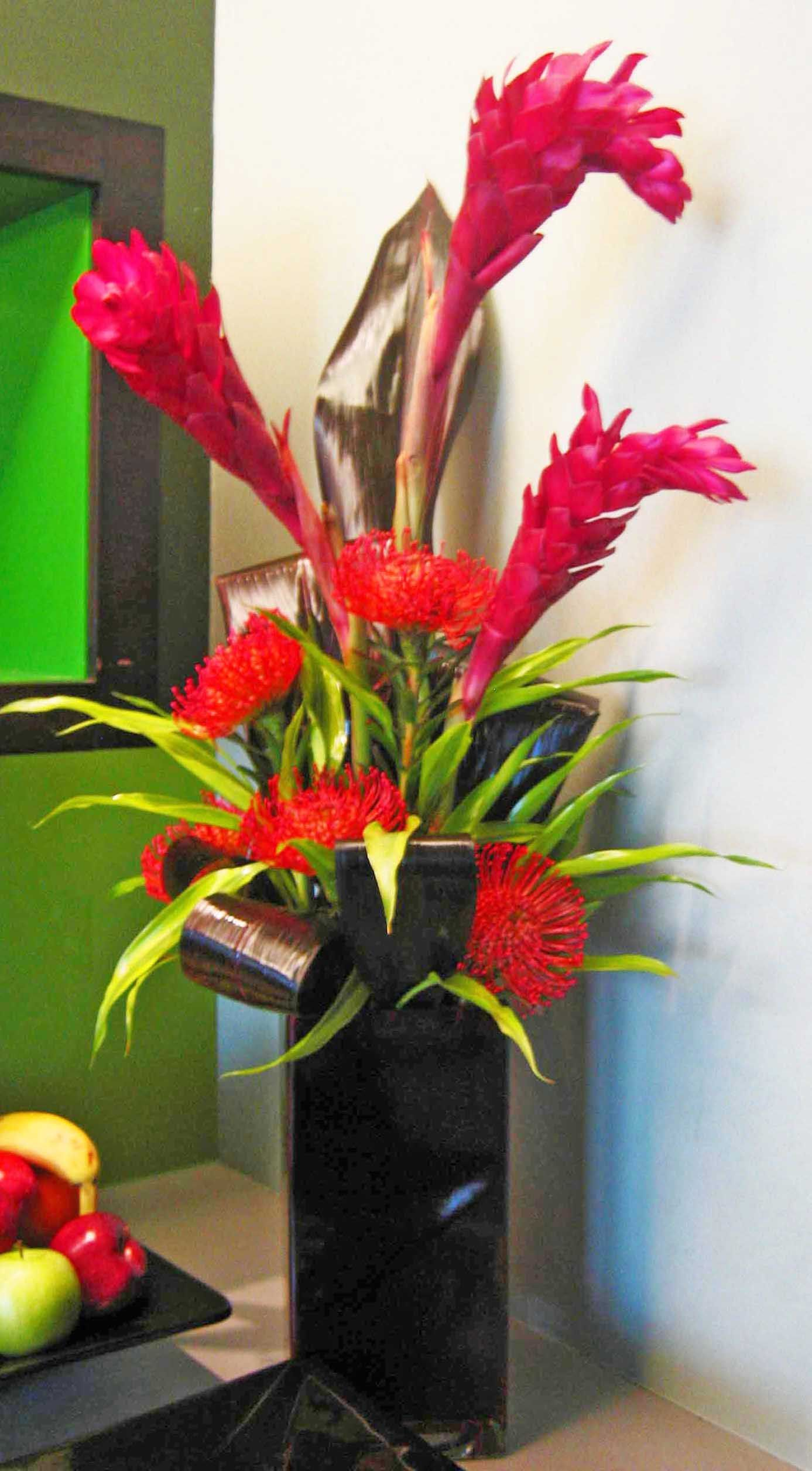 62vr Pink Ginger Lilly Red Pin Black Aspidistra Leaves Mixed