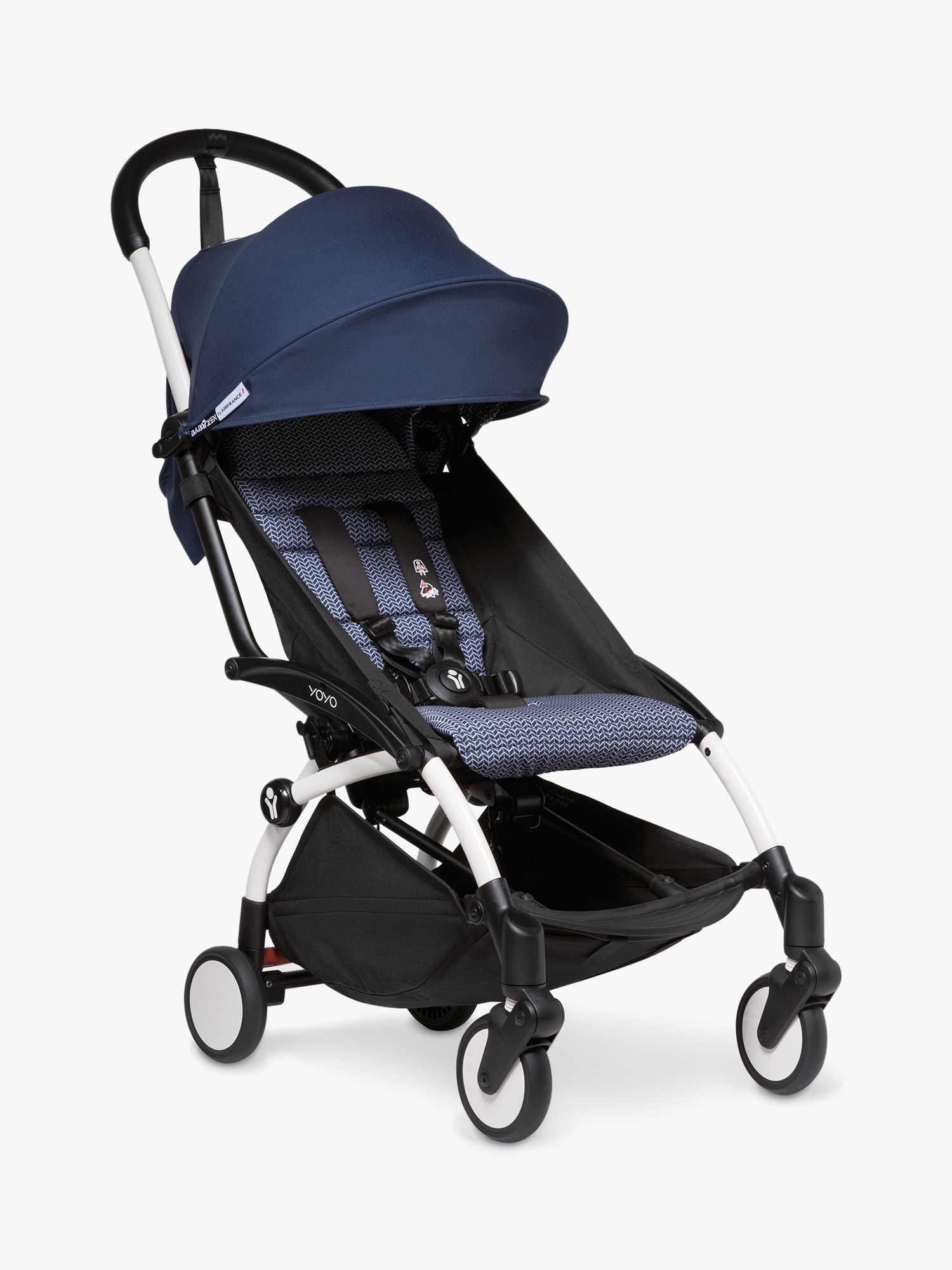 Offering ultimate comfort for your child and practicality for you, the YOYO² Stroller by BABYZEN folds and unfolds with one hand, can be carried over the shoulder, slips in anywhere, stores easily and travels as carry-on-baggage*. Designed with unparalleled flexibility and cushioning, thanks to the new, individual suspensions on all 4 wheels, this stroller perfectly navigates all types of surface so that you can get out and about and explore with your little one. Extremely strong and light thank