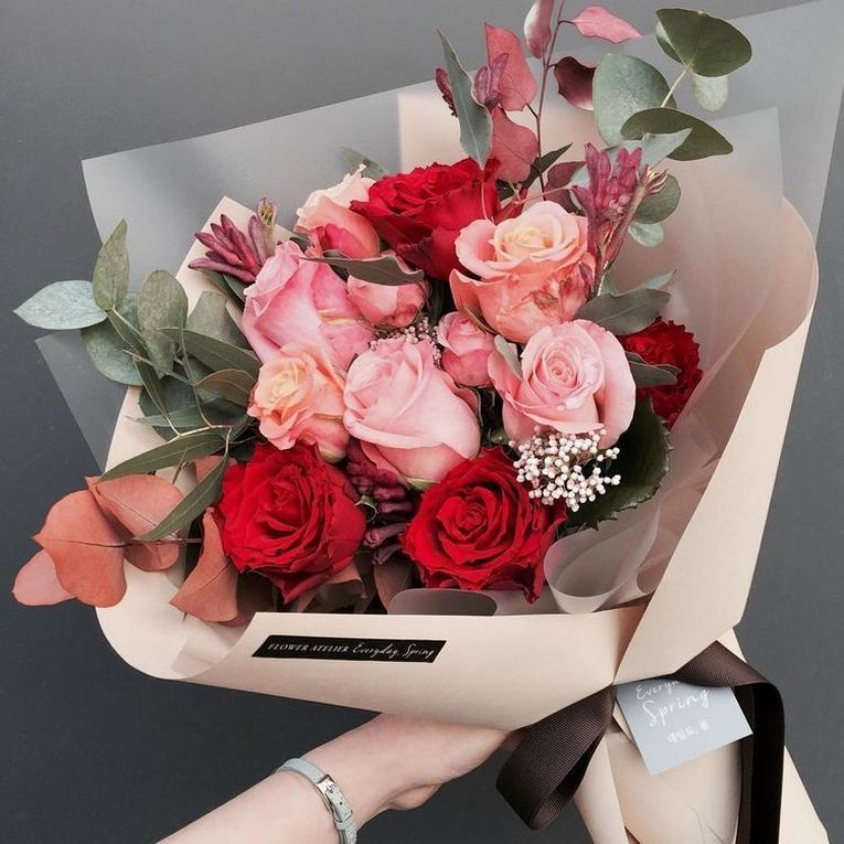 Valentine S Day Isn T A Public Holiday It Is Also A Very Popular Date For Weddings It Is One Day Where You Should Flowers Bouquet Flowers Flower Arrangements