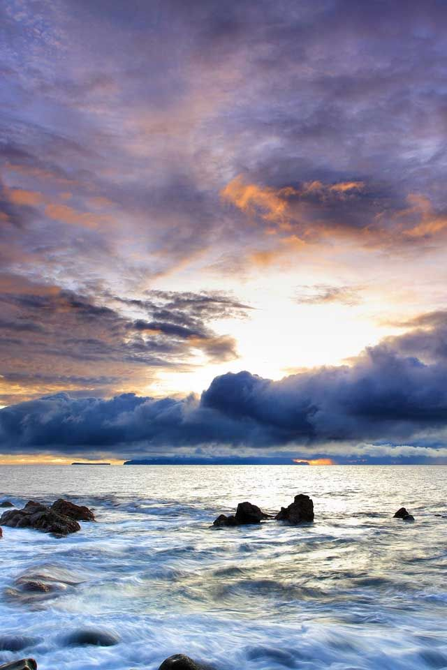 A Beautiful Sea Reflects A Beautiful Sky Both Are Mysterious And Full Of Unseen Depth Scenery Wallpaper Beautiful Landscapes Landscape