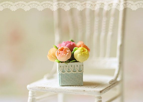 Dollhouse Miniature Flowers - Assorted Peonies in Box 1/12 Scale