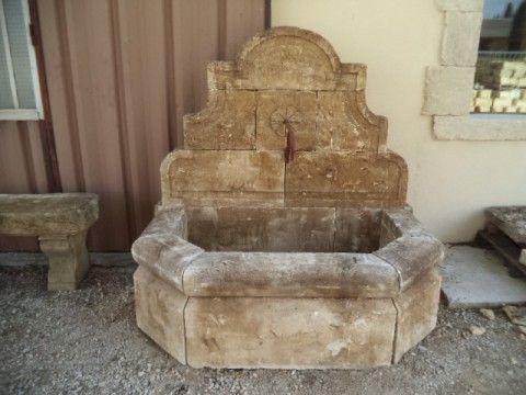 fontaine murale en pierre neuve et vieillie ap terrace. Black Bedroom Furniture Sets. Home Design Ideas