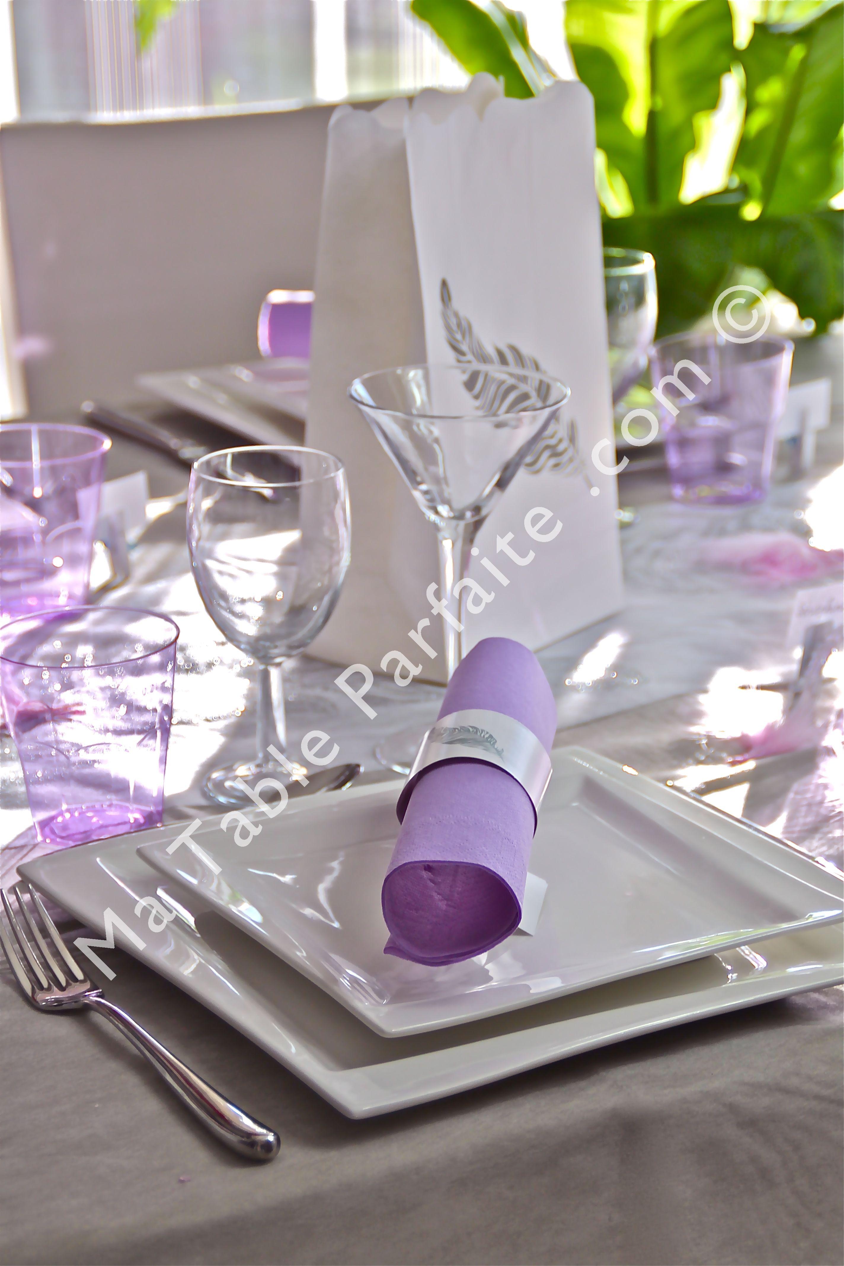 Décoration de table prête-à-poser La Vie est est belle avec nappe ...