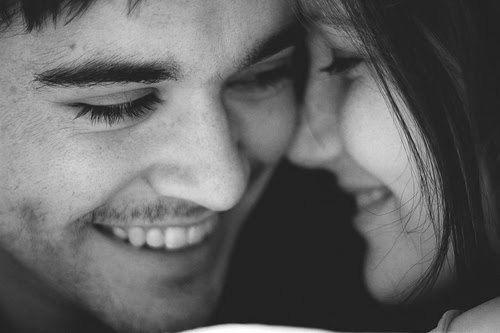"""""""Eu admiro demais os detalhes. O detalhe de um sorriso tímido, da forma como os olhos se movem. Tudo revela algo."""""""