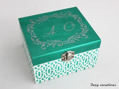 litlle box for wedding rings:)