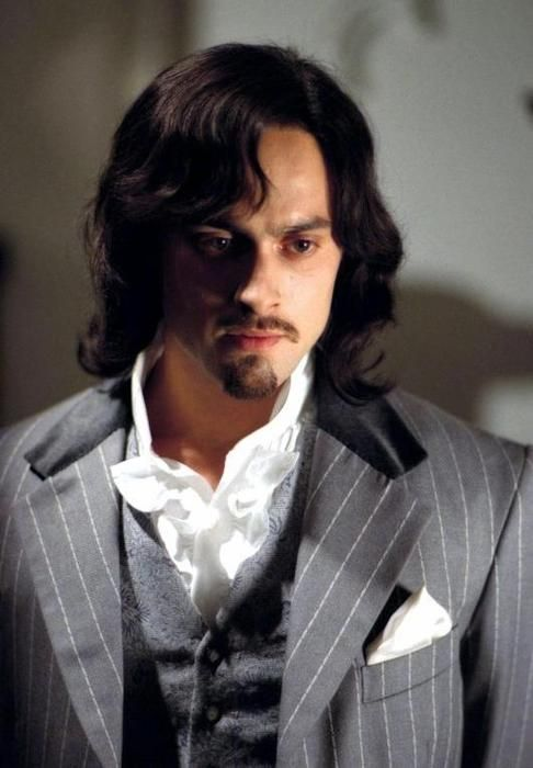Stuart Townsend as Dorian Gray in The League of Extraordinary Gentlemen ..  | League of extraordinary gentlemen, Extraordinary gentlemen, Stuart  townsend