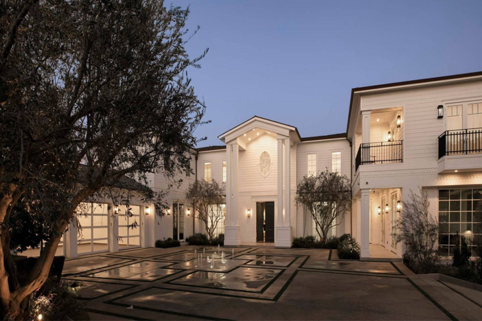 Estate Of The Day 29 9 Million The Point Modern Mansion In Los Angeles California Luxury Houses Entrance Luxury Homes Exterior Modern Mansion