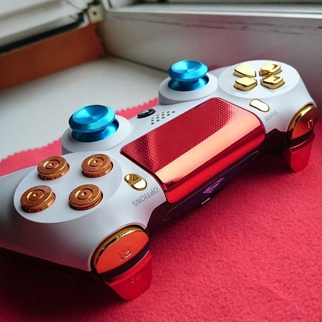 #consolelovers #ps4 #psn #playstation #playstationnation #custom #superman #lightbar #LED #controller #dualshock #dualshock4  #gaming #gamer #games #game #bulletbuttons #thumbsticks #thisis4theplayers #console #colorful #ps4share