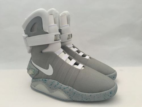 nike air mag back to the future https://t.co/FPmBGSbh9W https://t.co/OBUdpUG8JF