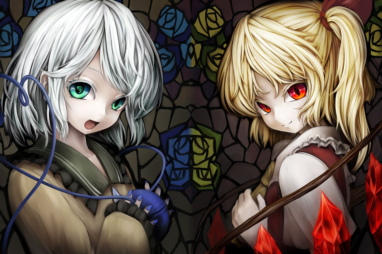 2girls blonde hair flandre scarlet gray hair green eyes