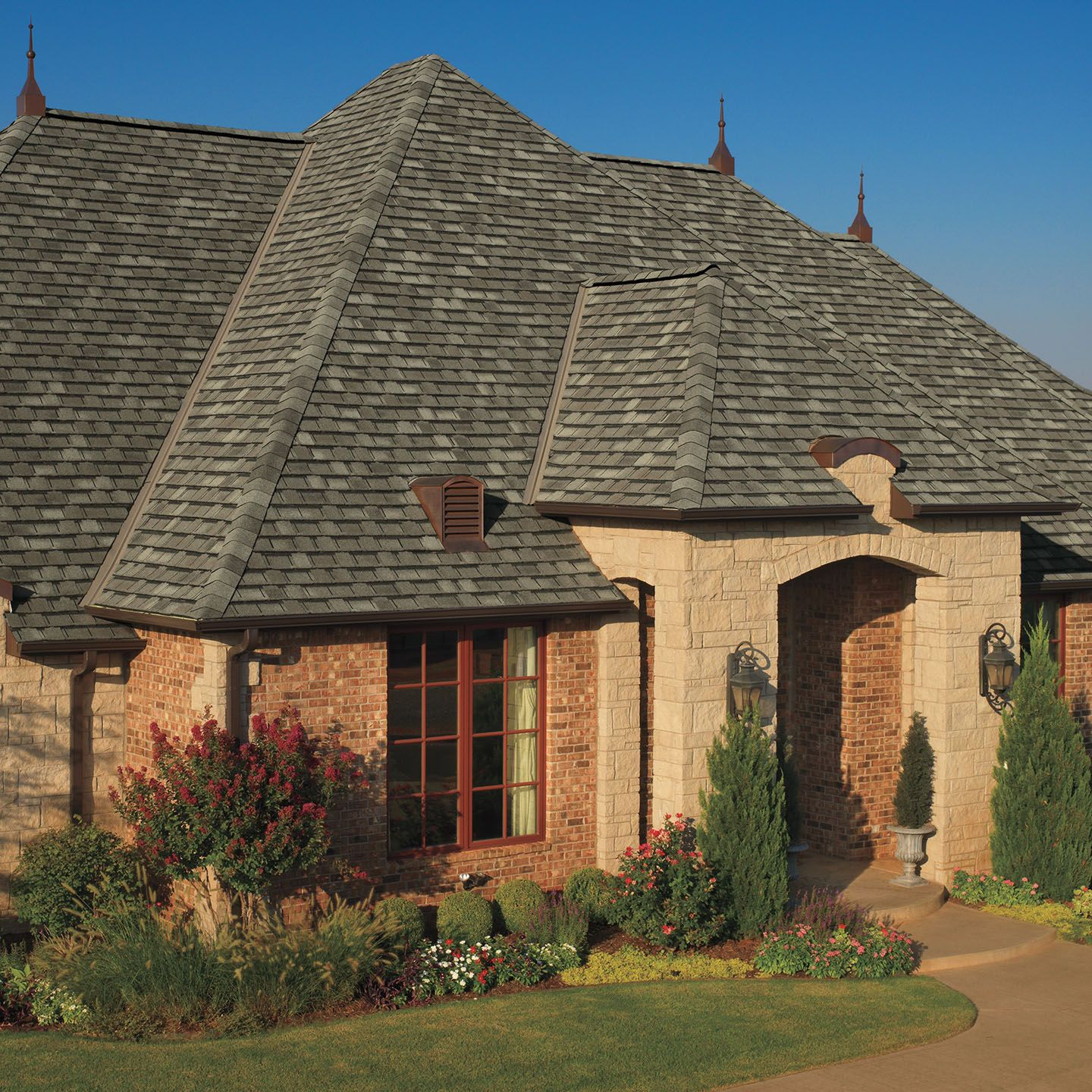 Best Aged Oak Architectural Shingles Roof Roof Architecture 400 x 300