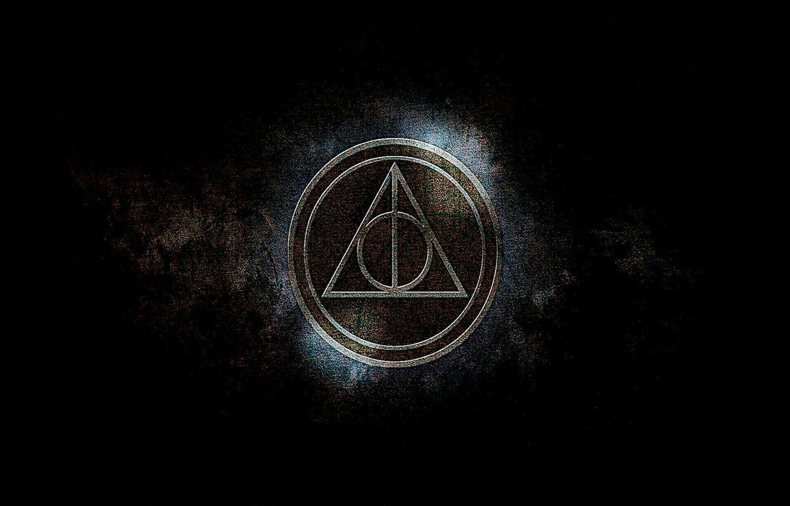 Harry Potter In 2020 Harry Potter Wallpaper Harry Potter Background Deathly Hallows Wallpaper