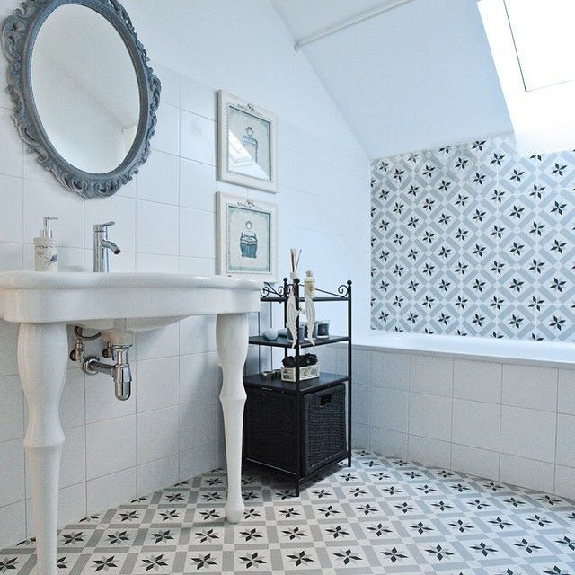 Bathroom calvet gris 20x20 cm vives azulejos y gres bathrooms bathroom ensuite - Vives azulejos y gres ...