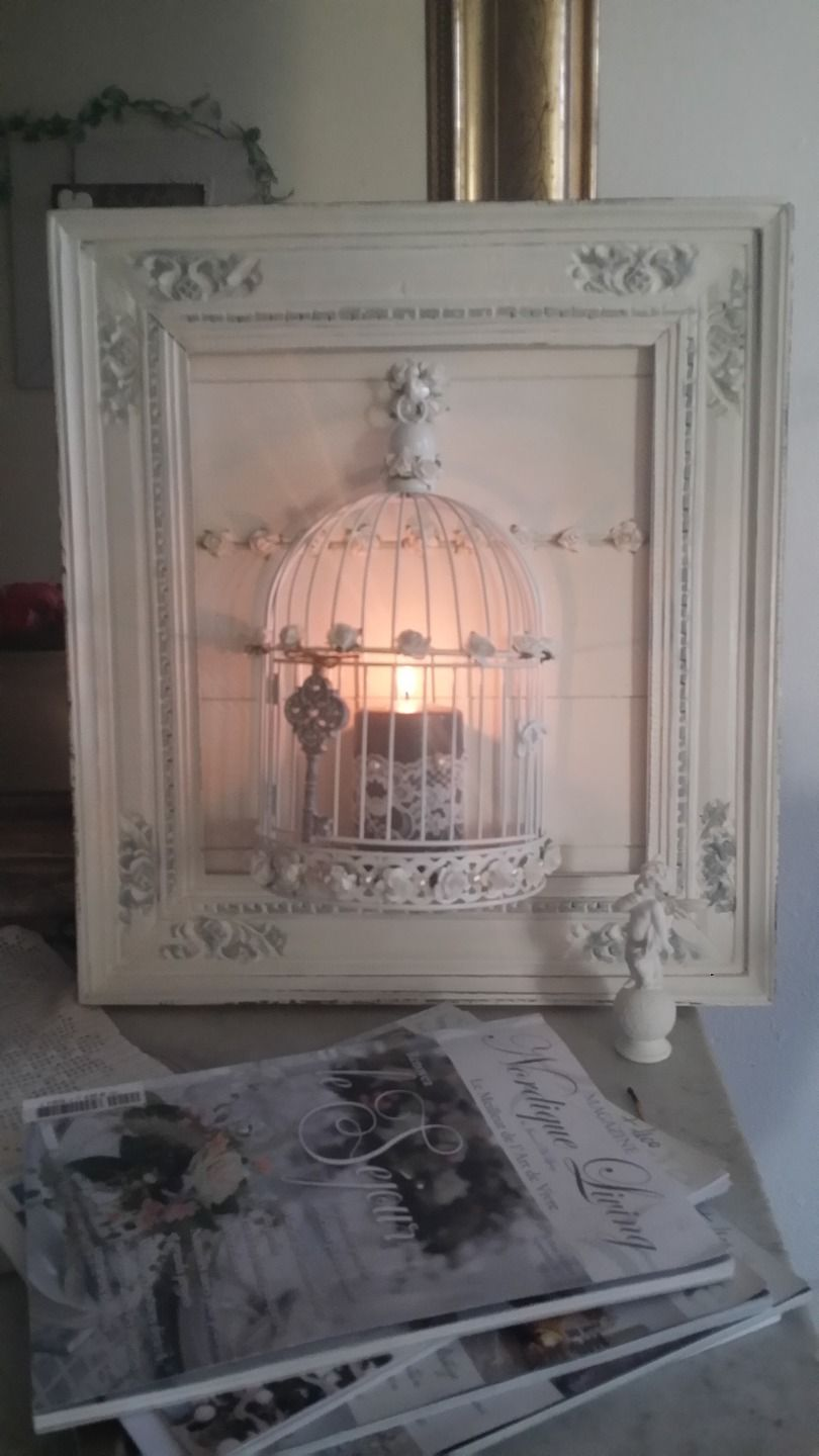 Cadre ancien et applique bougeoirs style shabby chic for Encadrement shabby chic