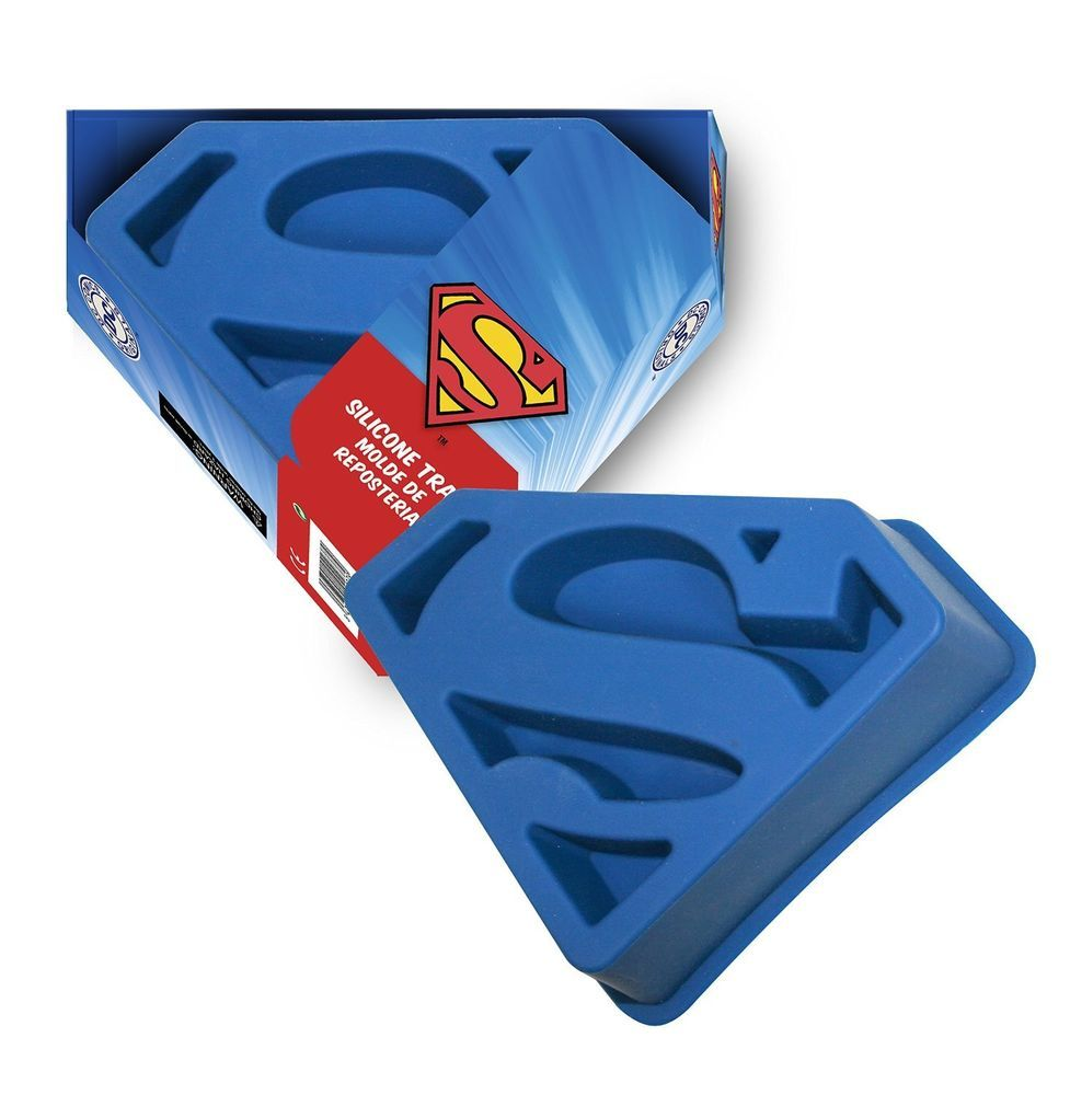 superman logo silicone cake tin jelly mould superman logo and rh pinterest com wilton batman emblem cake pan wilton batman logo cake pan