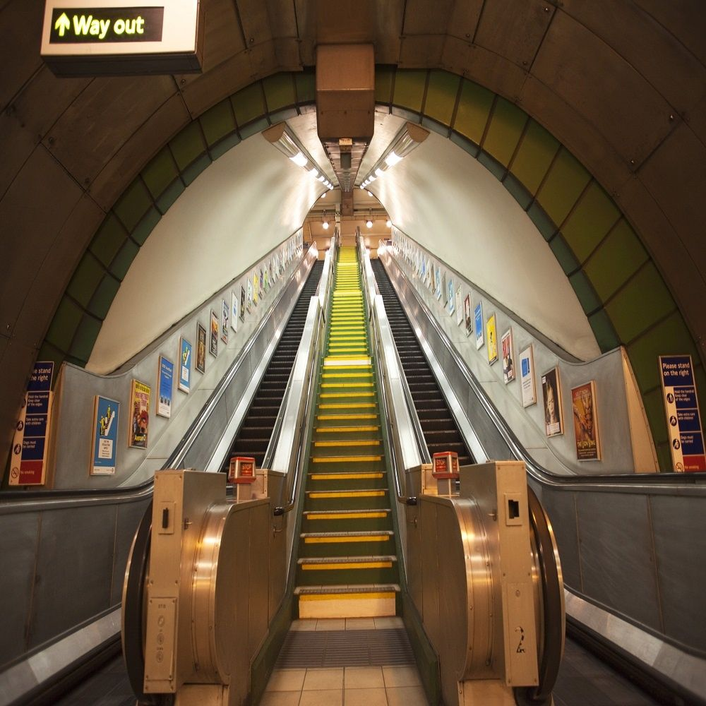 1 Wall Giant Wallpaper Mural London Underground Subway 315m X 232m