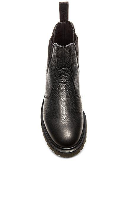 Dr. Martens 2976 Chelsea Boot en Noir   REVOLVE   Bottes   Pinterest ... 617f1c67888f