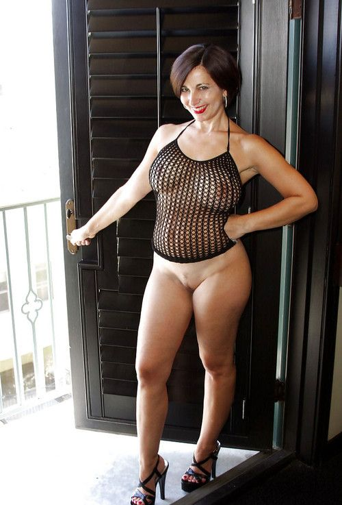 Horny mature milf has a wonderful afternoon