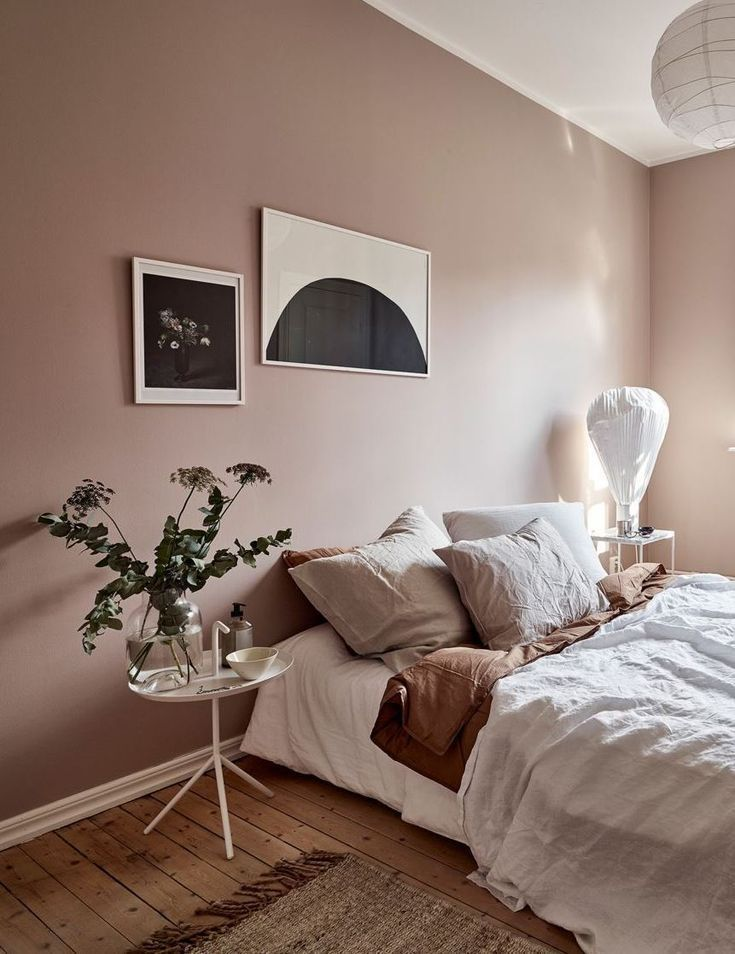 Chic Scandinavian Interior Decor Natural Wood Floors Rose Pink Walls Abstract Art Pink Bedroom Walls Dusty Pink Bedroom Pink Bedroom Design