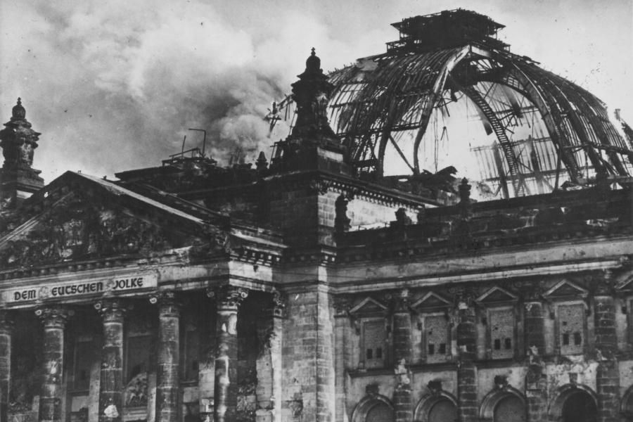 Reichstag Die Kuppel Nach Dem Brand Berlin Februar Und Welt