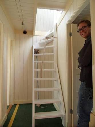 4 Easy Diy Ways To Finish Your Basement Stairs Dachbodenausbau Treppe Kleiner Treppenaufgang Dachbodenausbau