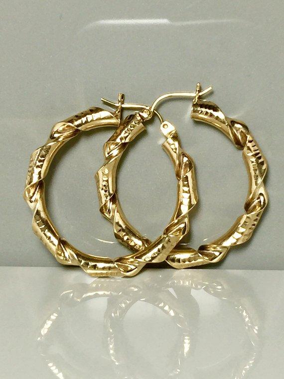 Diameter: 17mm 14k Two Tone Gold 3mm Hoop Elegant Earrings