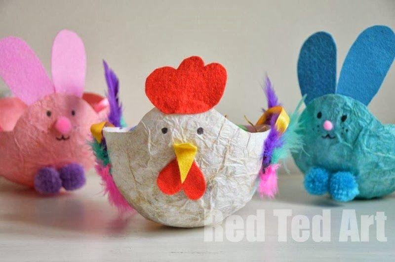 Pollito y conejo de pascua, hecho con hueveras.