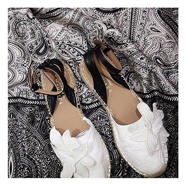 Instagram Photo By Gomez Fashion Store Jun 29 2016 At 12 02pm Utc Fashion Store Fashion All About Shoes