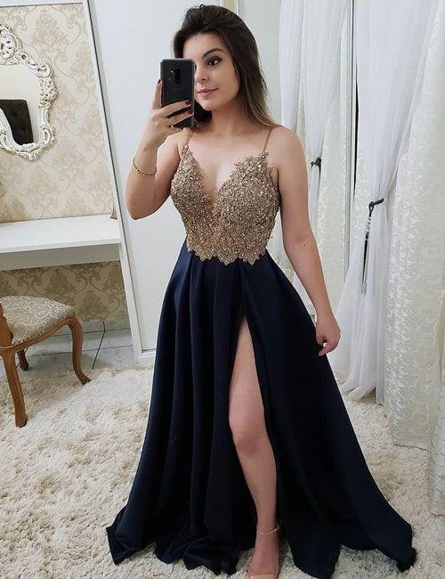 4866c33a63 Vestido azul marinho estilo princesa com fenda 2019  fotos
