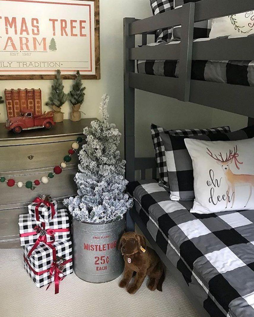 60 Mesmerizing Christmas Bedroom Decorating Ideas Page 55