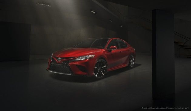 2018 Toyota Camry unveiled at NAIAS, looks aggressive