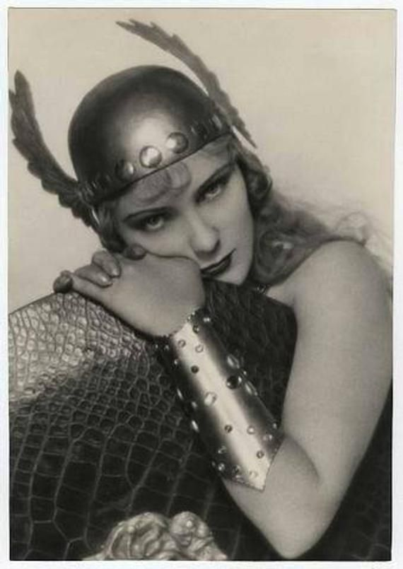 Classic Cosplay - Hollywood Legends Cards - Models Photography - 40 Trading Cards Book Set #hollywoodlegends
