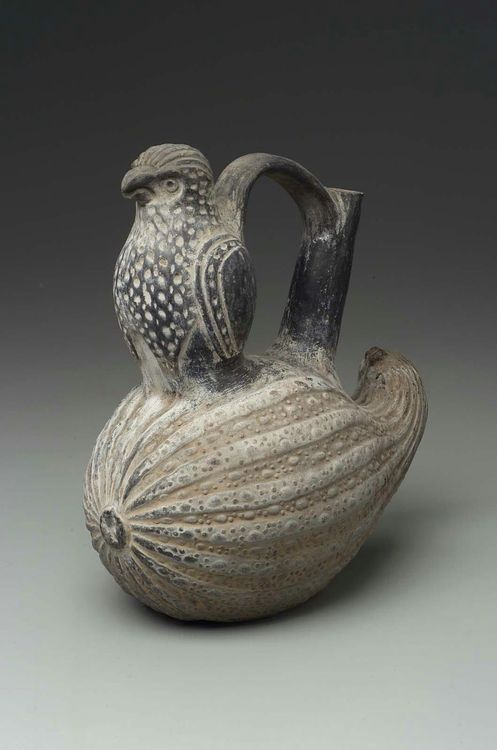 Lambayeque or early Chimu culture of Peru, Bird and squash effigy bottle, c.900-1470 (source).