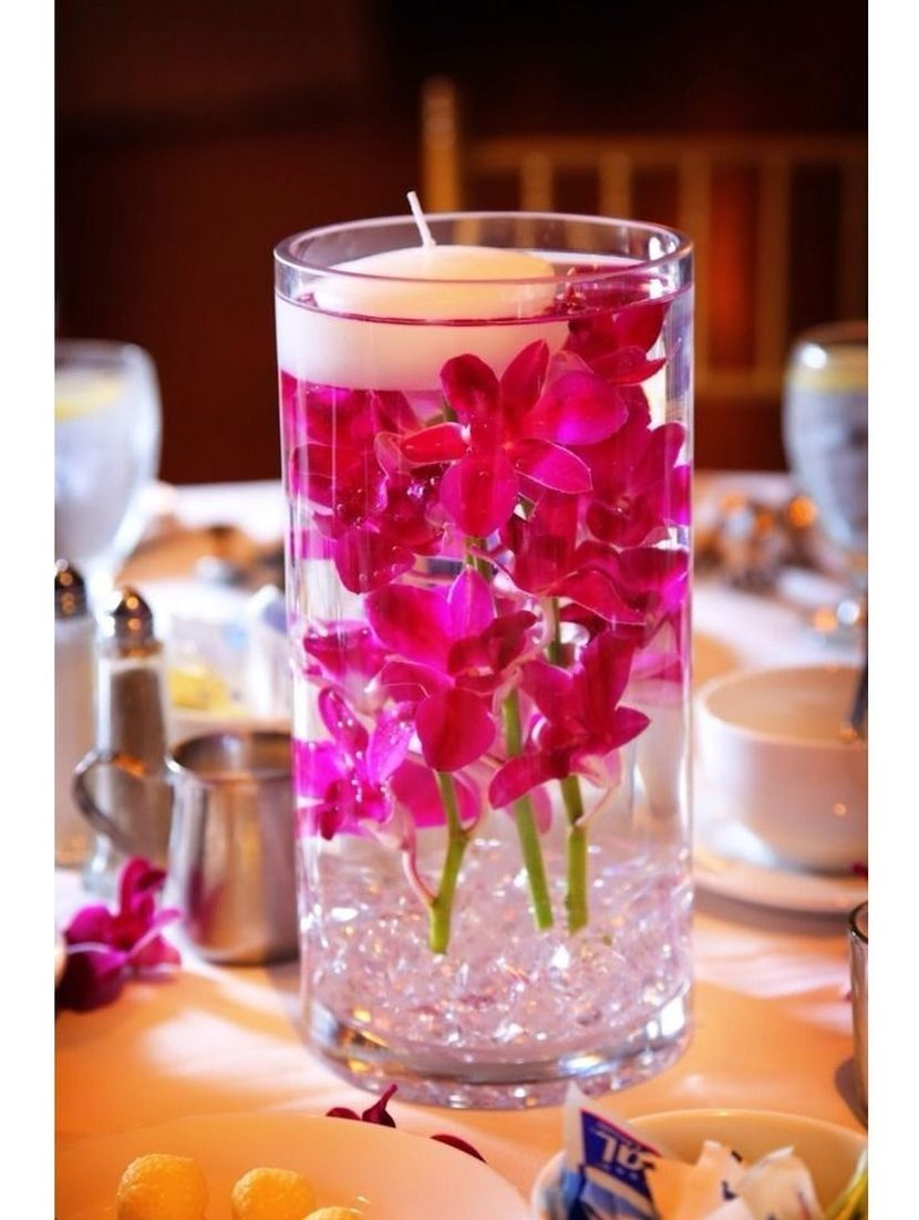 Inexpensive Hurricane Vase Wedding Table Centerpiece With Floating Candle And Flowers