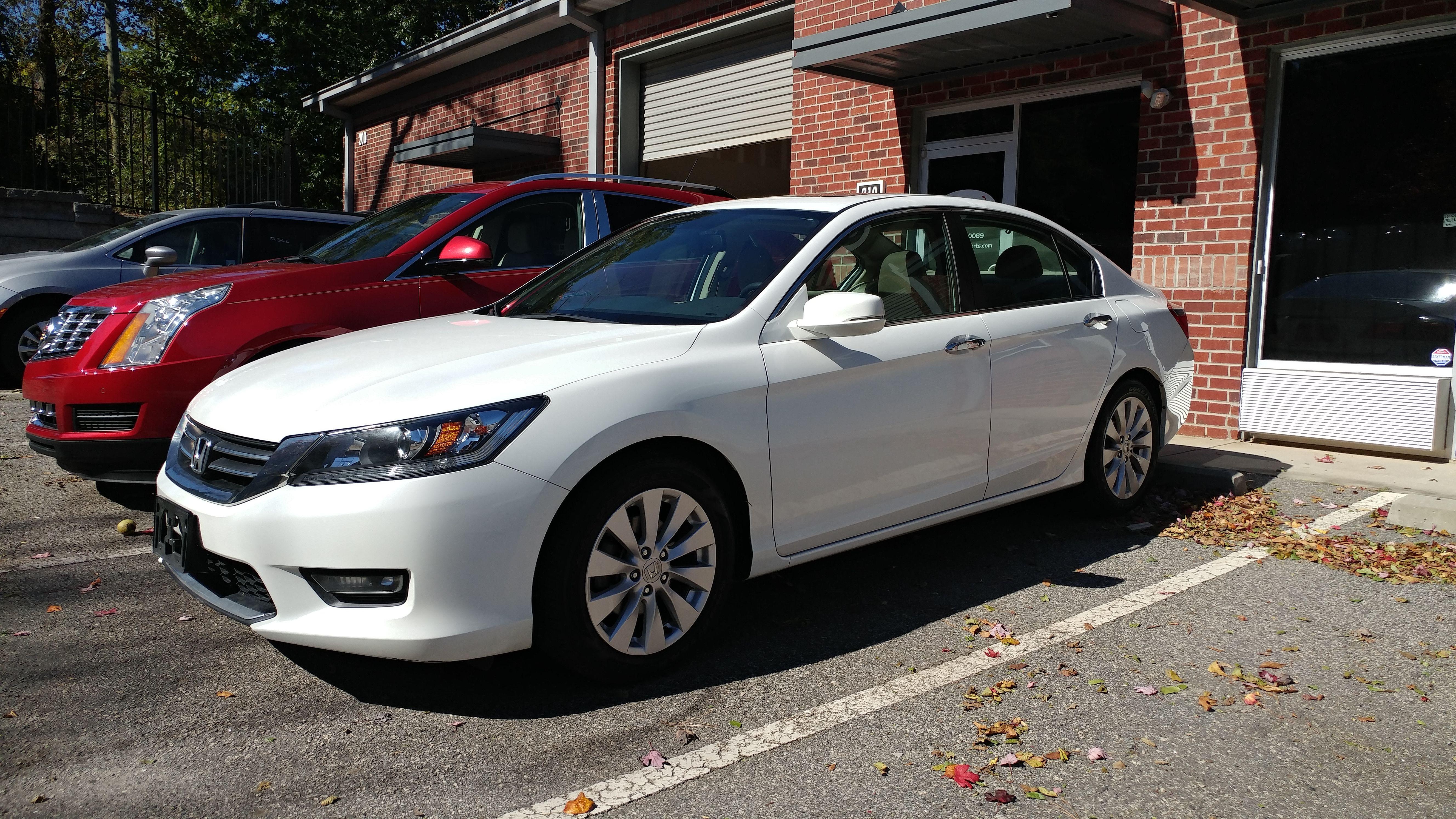 $18 250 2014 Honda Accord EX L sedan Orchid White Pearl on Tan