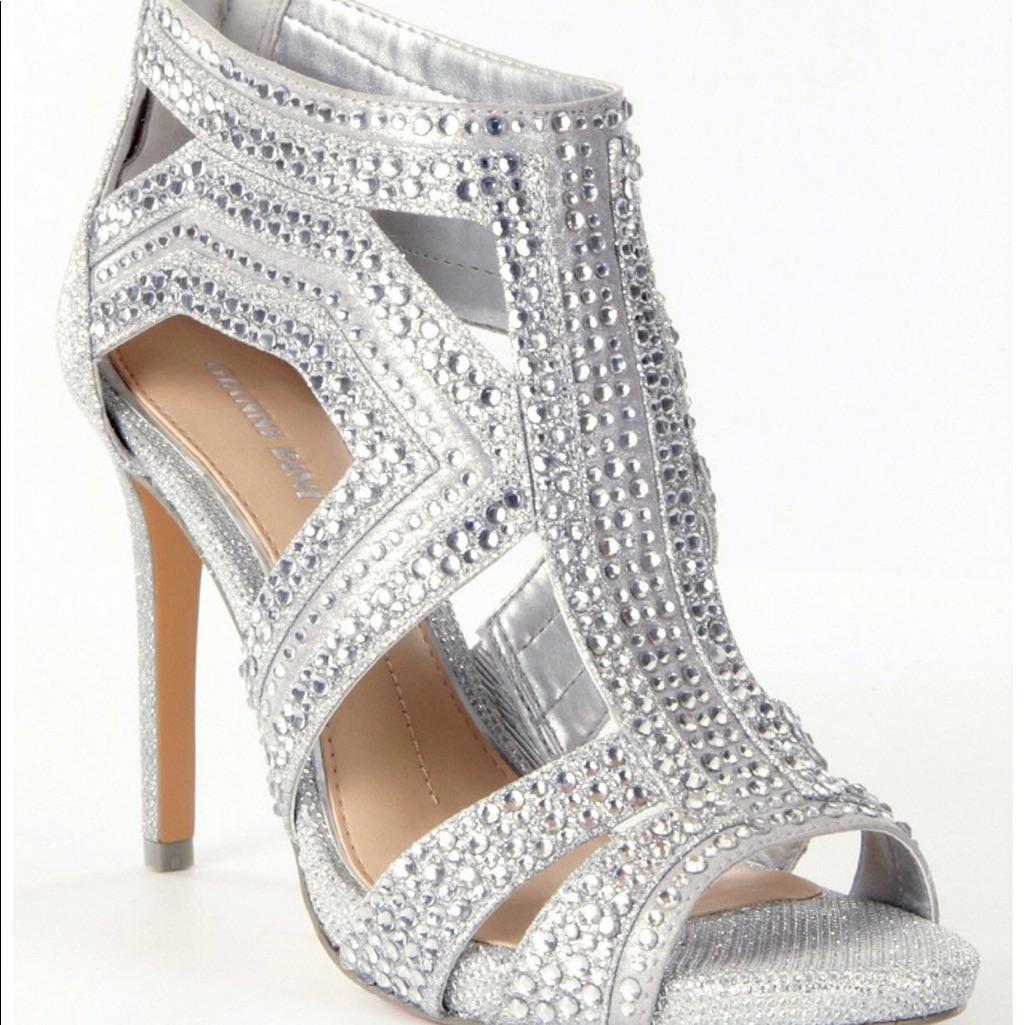 Gianni Bini silver heels size 6.5