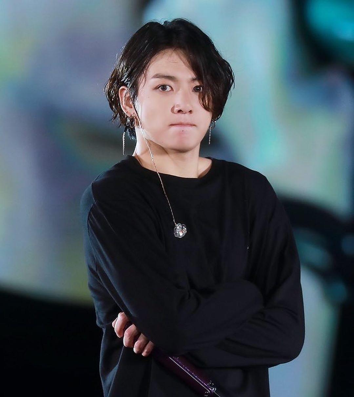 byeee jungkook's long hair, u will be missed