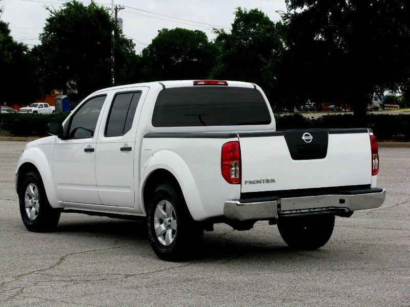 2011 Nissan Frontier 2WD Crew Cab SWB Auto SV - DALLAS AUTO IMPORT | Auto dealership in DALLAS, Texas | Inventory