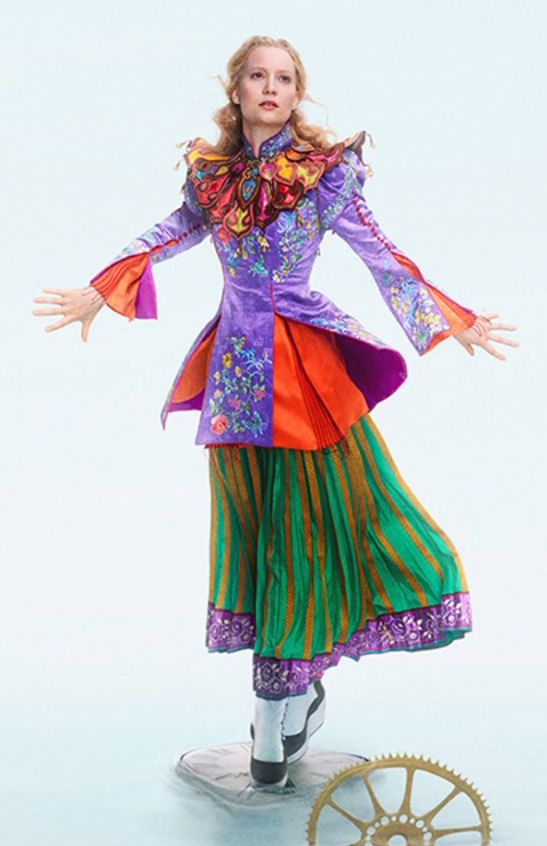 A Good Look At Alice S Mandarin Costume From Alice Through The