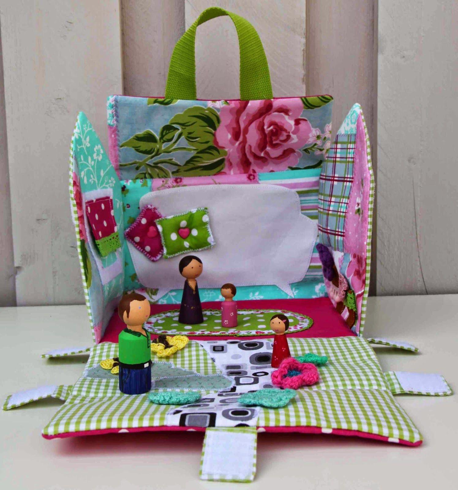 spiel mitnehmhaus als freebook sewing plushies toys pinterest n hen spielzeug n hen. Black Bedroom Furniture Sets. Home Design Ideas
