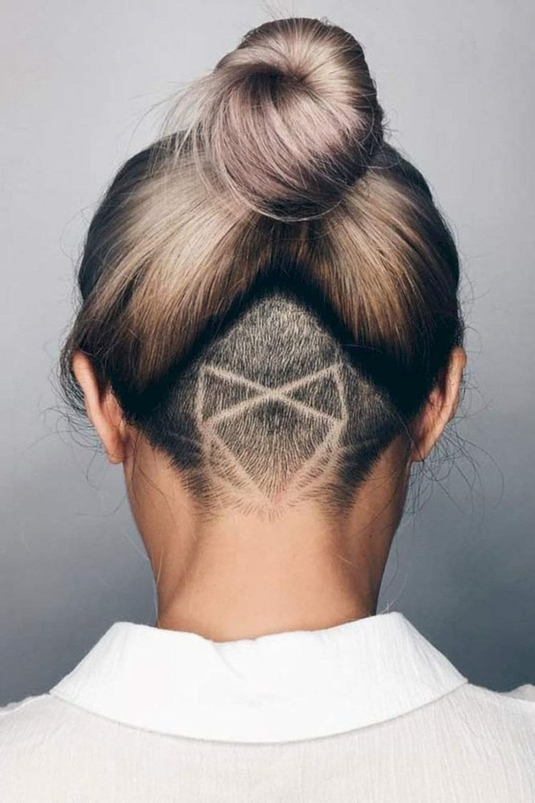 Undercut Im Nacken Frauen Muster Blume Haare