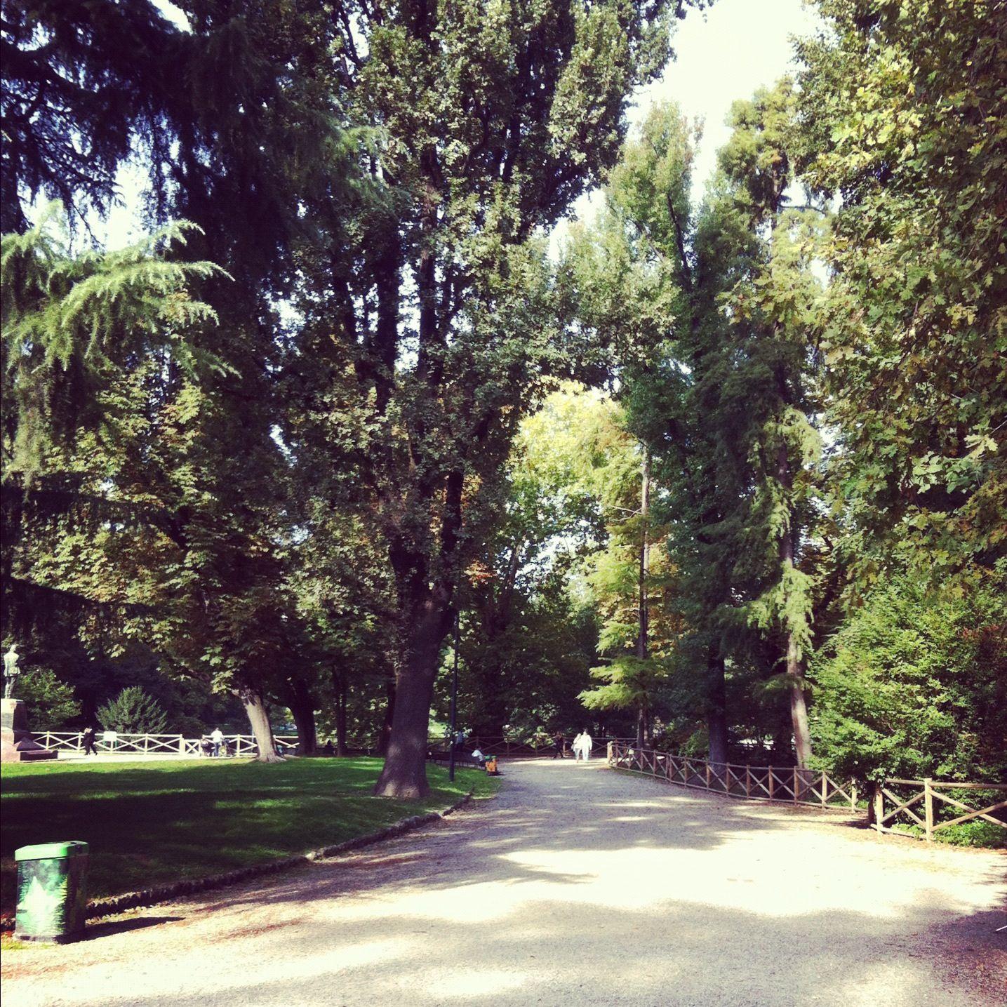 Giardini Pubblici Indro Montanelli Milan, Country roads