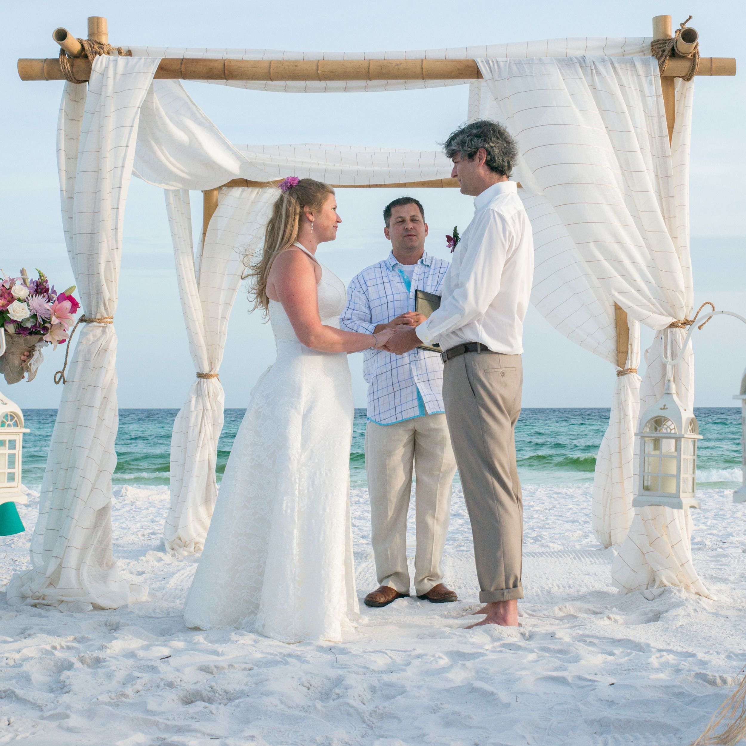 A Full Service Of Romantic Destin Beach Wedding Package Items Provided By Royal Weddings In