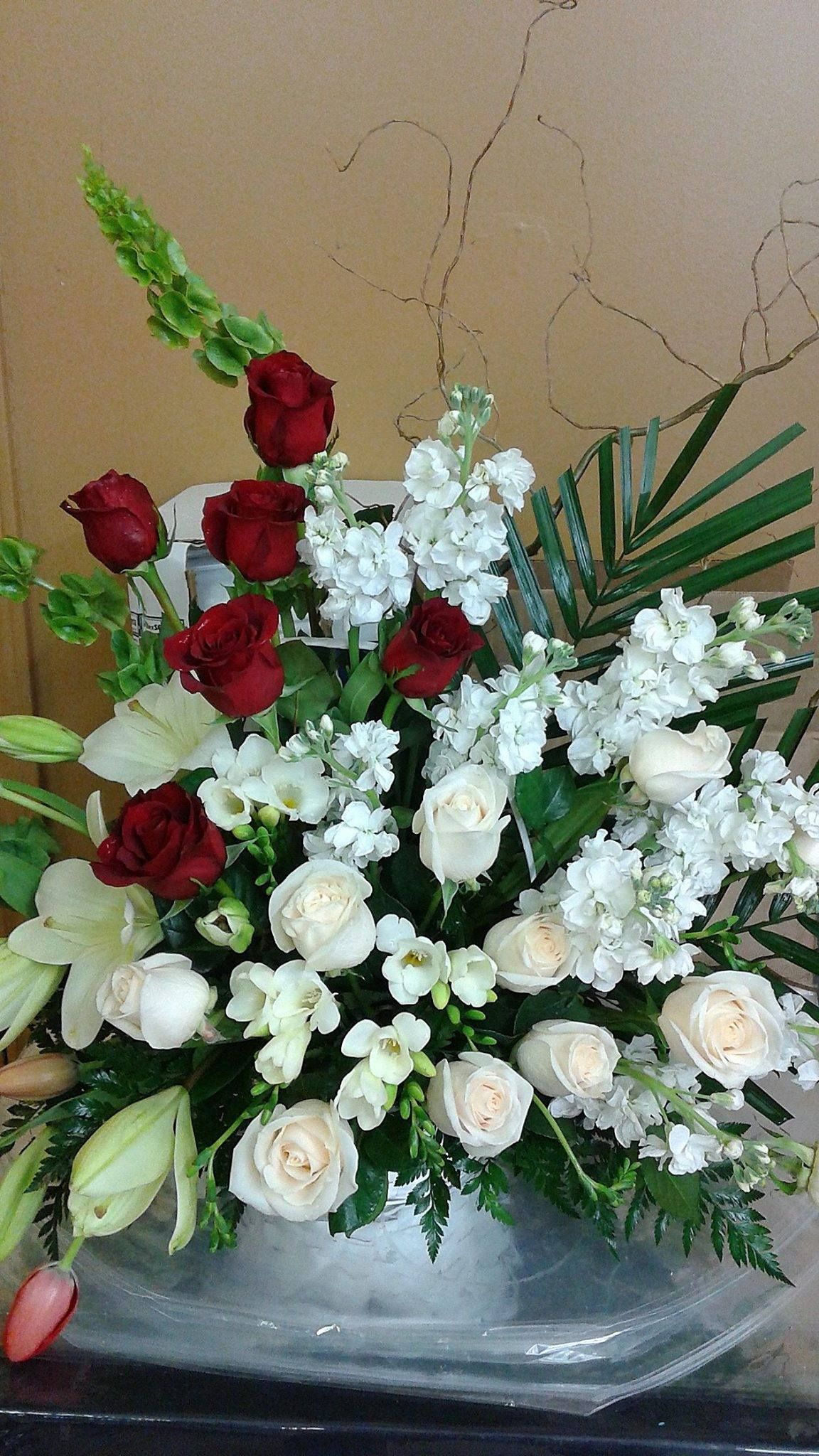We Offer Beautiful Selections Of Funeral And Sympathy Flower
