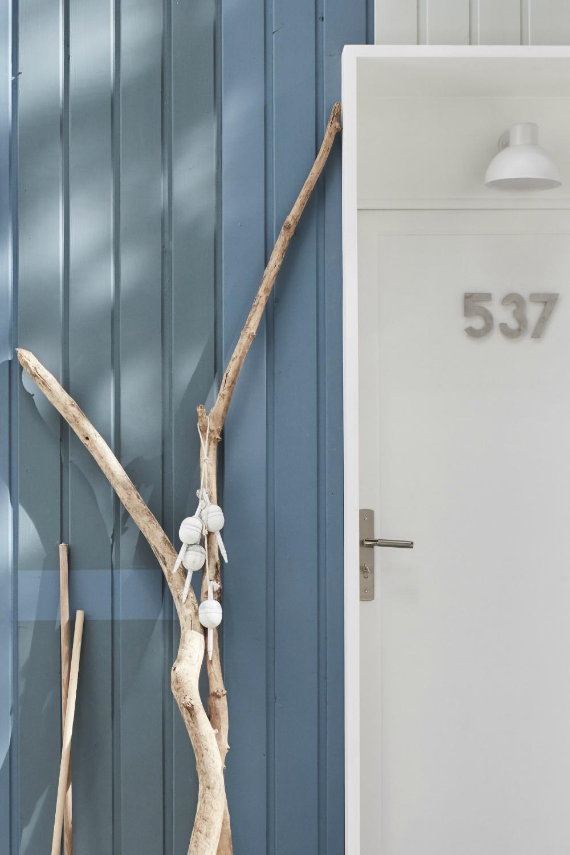 Une Facade Coloree En 2020 Idees Pour La Maison Cabane De Plage Colore